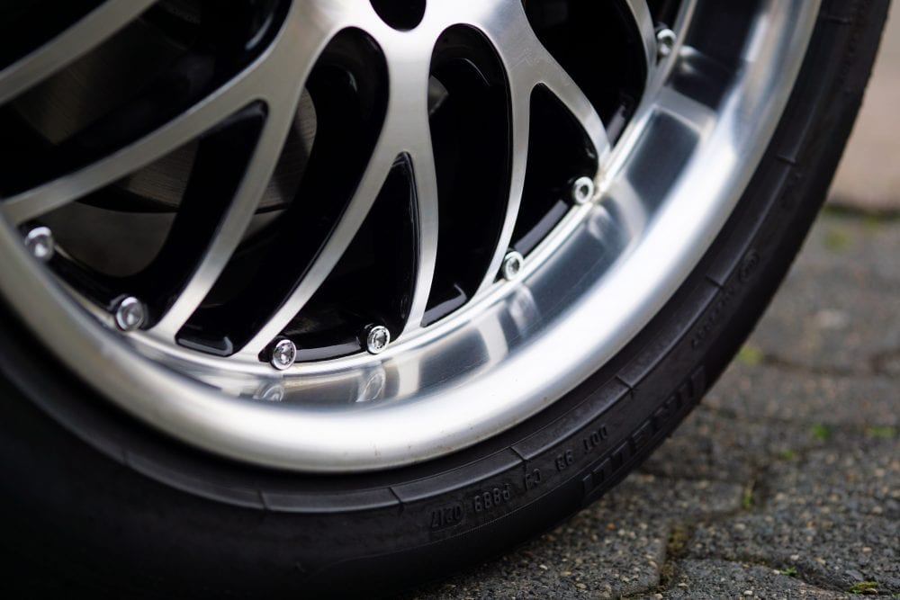 Which Is Better: An Alloy Wheel or a Normal Wheel?